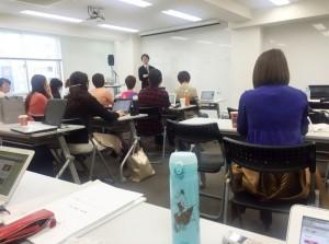 The SUMMIT USPデザイナー畠山さんの講義中